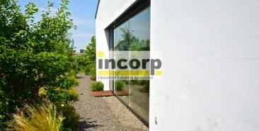 incorp-photo-41001238.jpg