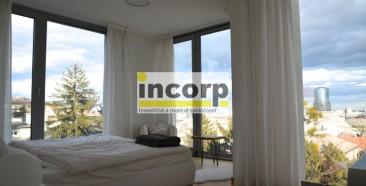 incorp-photo-40092483.jpg
